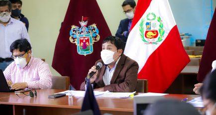 Elmer Cáceres sobre su gestión: «hay errores porque se hace mucho»