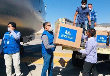 EsSalud envía 6 toneladas de medicinas, insumos médicos y equipos de protección