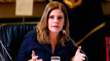 Congreso aprobó la renuncia de vicepresidenta Mercedes Aráoz