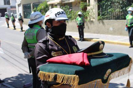 Primer policía fallecido por Covid en Arequipa fue despedido con honores