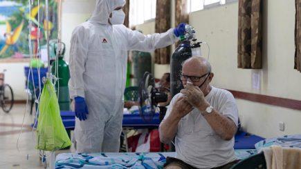 Coronavirus: los elevados costos de adquirir balones de oxígeno para pacientes