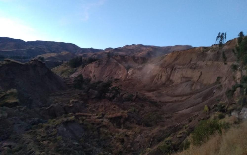 Arequipa: cierran la bocatoma de Tuti tras derrumbe sobre el río Colca