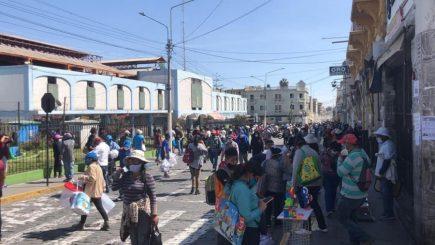 Arequipa: paciente con Covid-19 fue encontrado caminando en la calle