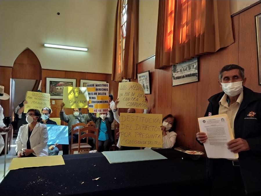 Arequipa: médicos del hospital Goyeneche protestaron por carencia de EPPs