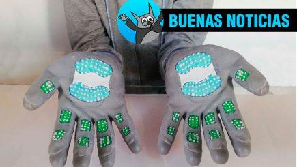 Universitario crea guantes autoesterilizables para prevenir covid-19