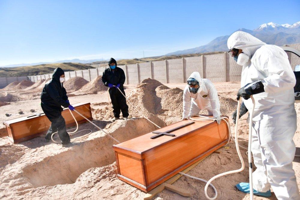 Comenzaron los primeros entierros en el cementerio covid Arequipa