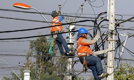 Arequipa: Seal anuncia cortes eléctricos en 10 distritos, sábado y domingo