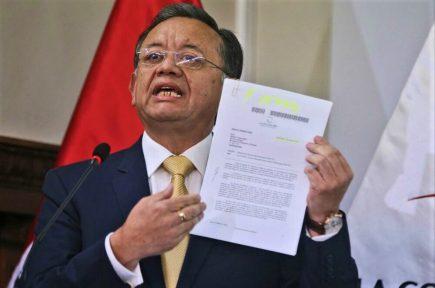 Edgar Alarcón dice que denuncias en su contra son por investigar al presidente