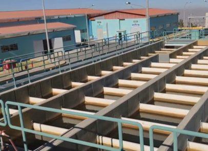 Rotura de tubería matriz deja sin agua a seis distritos de Arequipa