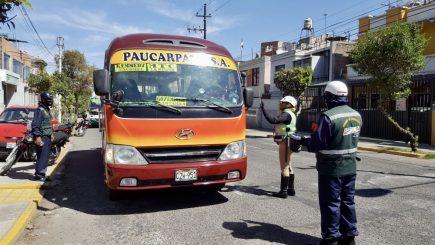 Arequipa: transportistas deberán exigir que pasajeros usen protectores faciales