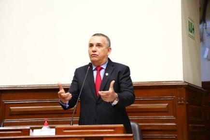 Congresista Daniel Urresti aseguró que su partido no hará  nada contra la SUNEDU
