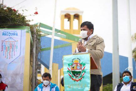 Gobernador de Arequipa a Pilar Mazzetti: vino a hacer su show y se fue