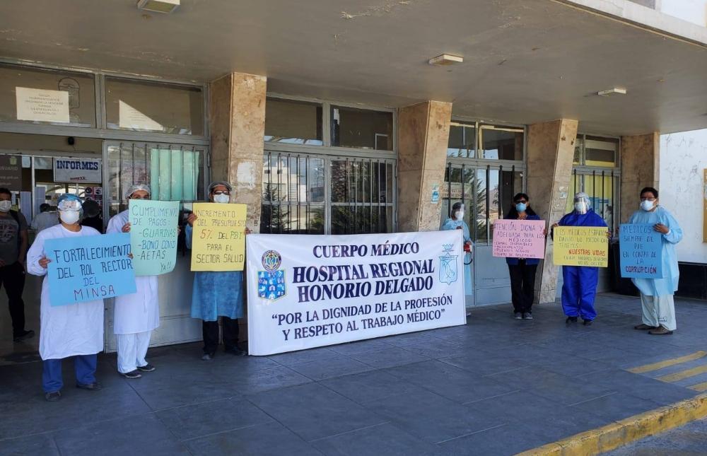 Arequipa: médicos protestaron por segundo día para exigir mejores condiciones