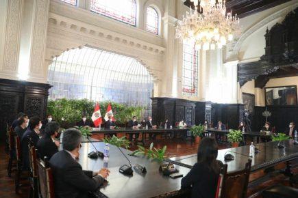 Presidente Vizcarra firma compromiso de diálogo para elaborar el Pacto Perú