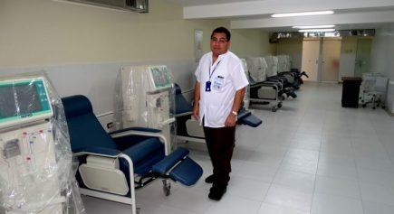«Es desesperante ver morir a tus amigos y familiares»: gerente Essalud en Arequipa