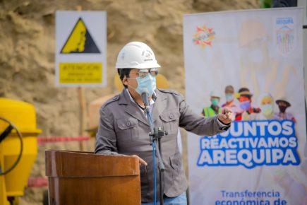 Gobernador de Arequipa  evalúa presentarse como candidato a las elecciones