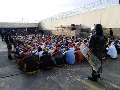 Arequipa: Requisan celulares y cuchillos en penal de Socabaya
