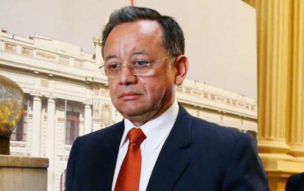 Edgar Alarcón deberá responder por denuncias, tras fallida vacancia