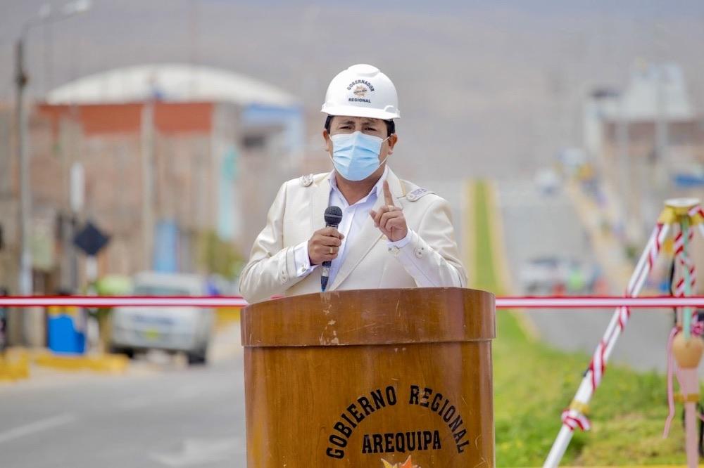 gobernador de arequipa elmer cáceres llica candidatura presidencial