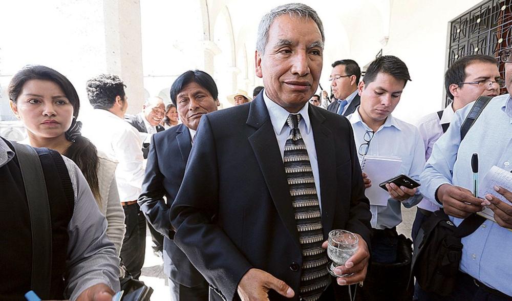 Arequipa: interpelarán a gerente del GRA por contratar a funcionarios cuestionados