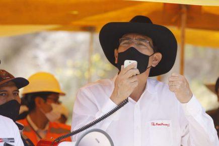 Presidente Vizcarra exhorta al GRA que concluya hospital en Cotahuasi