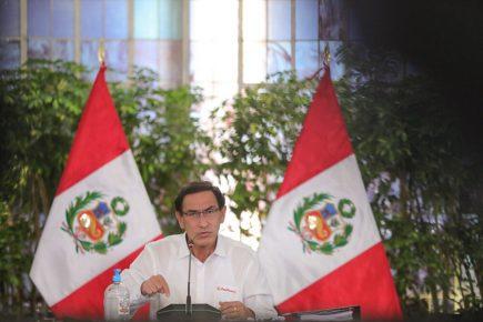"""Martín Vizcarra sobre vacancia: """"¿Quién quiere patear el tablero de la democracia?"""