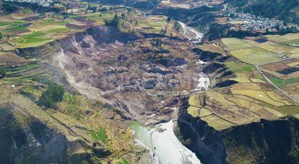 Advierten peligro de un mayor represamiento en el río Colca por  lluvias