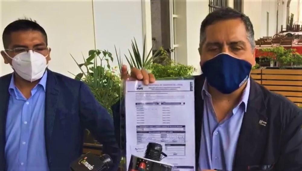 Yamel Romero y el colectivo Arequipa Primero.