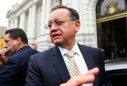 """Aprueban investigar denuncias contra Edgar Alarcón: """"Estoy acá, dando la cara y no me corro"""""""