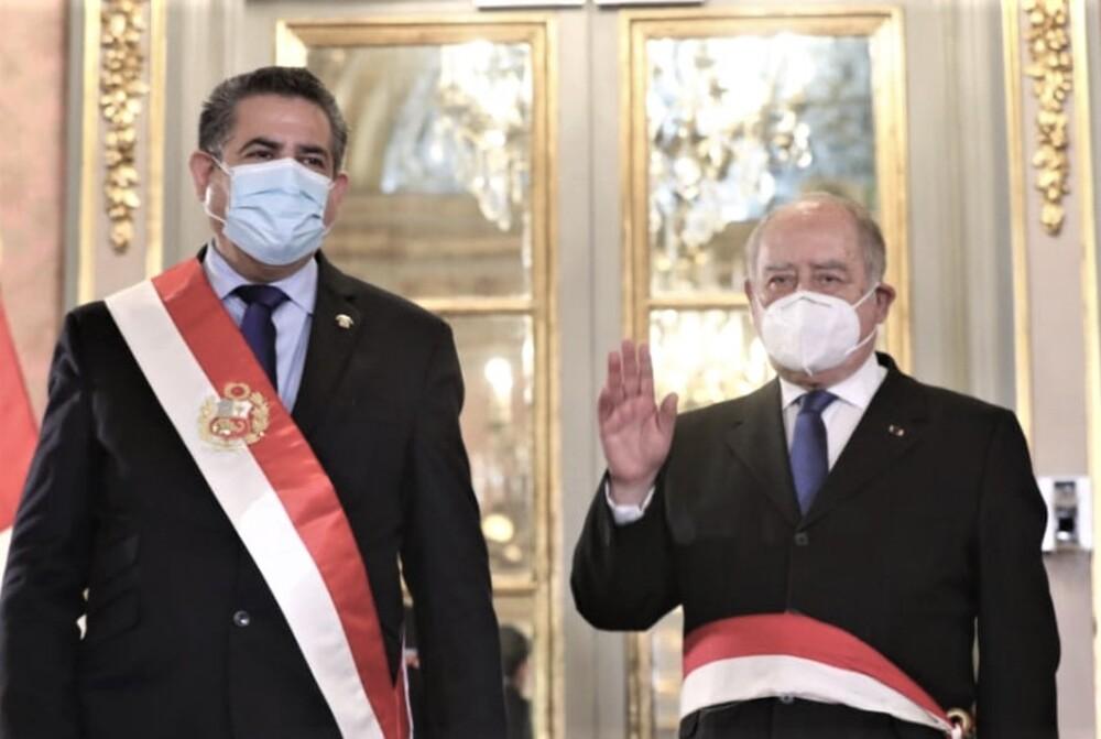 Manuel Merino y Ántero Flores-Aráoz.