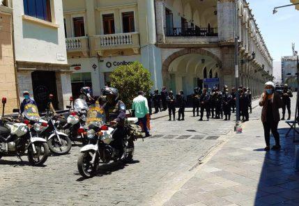 Arequipa: PNP impide ingreso a Plaza de Armas, tras anuncio de marcha (FOTOS Y VIDEO)