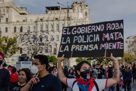 Crisis política en Perú y las noticias falsas en medio de ellas