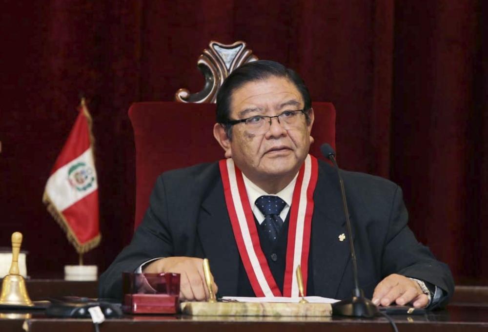 Juez arequipeño Jorge Salas Arenas asume la presidencia del JNE