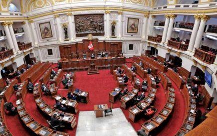 ¿Quiénes son los congresistas por Arequipa que tienen expedientes fiscales en el Ministerio Público?