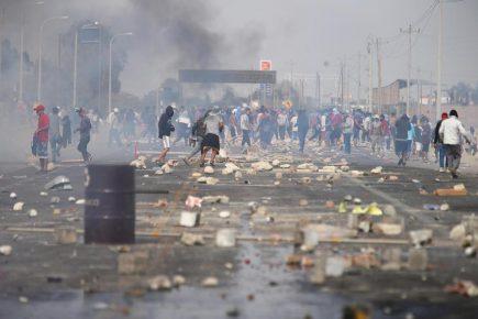 Ica: decenas de camiones varados por nuevo bloqueo de Panamericana Sur