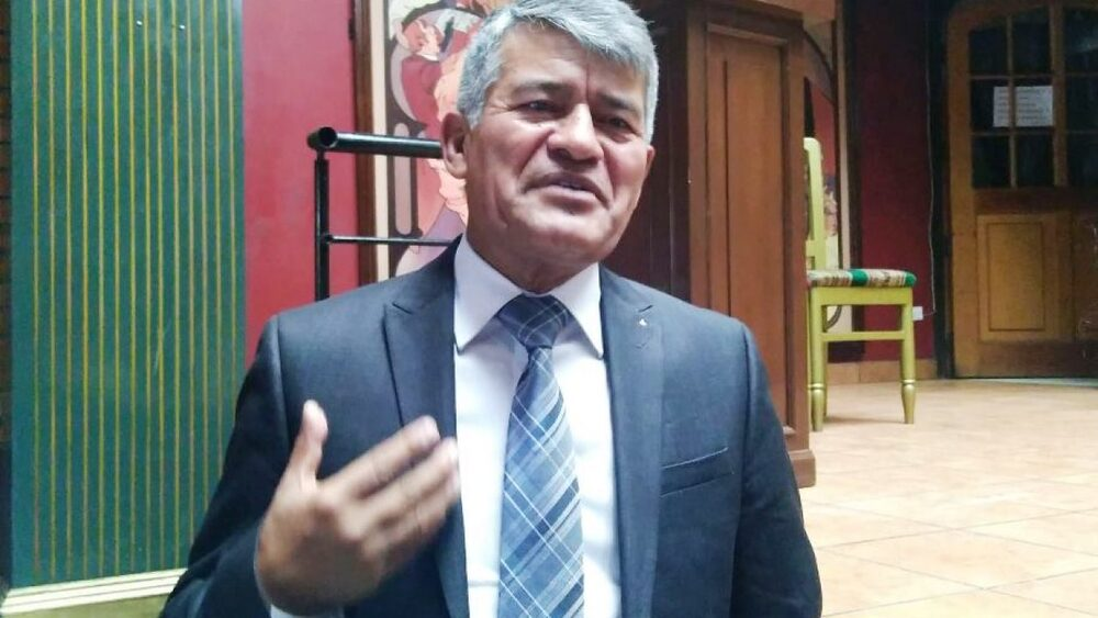 Cabrera como candidato de UPP Arequipa.
