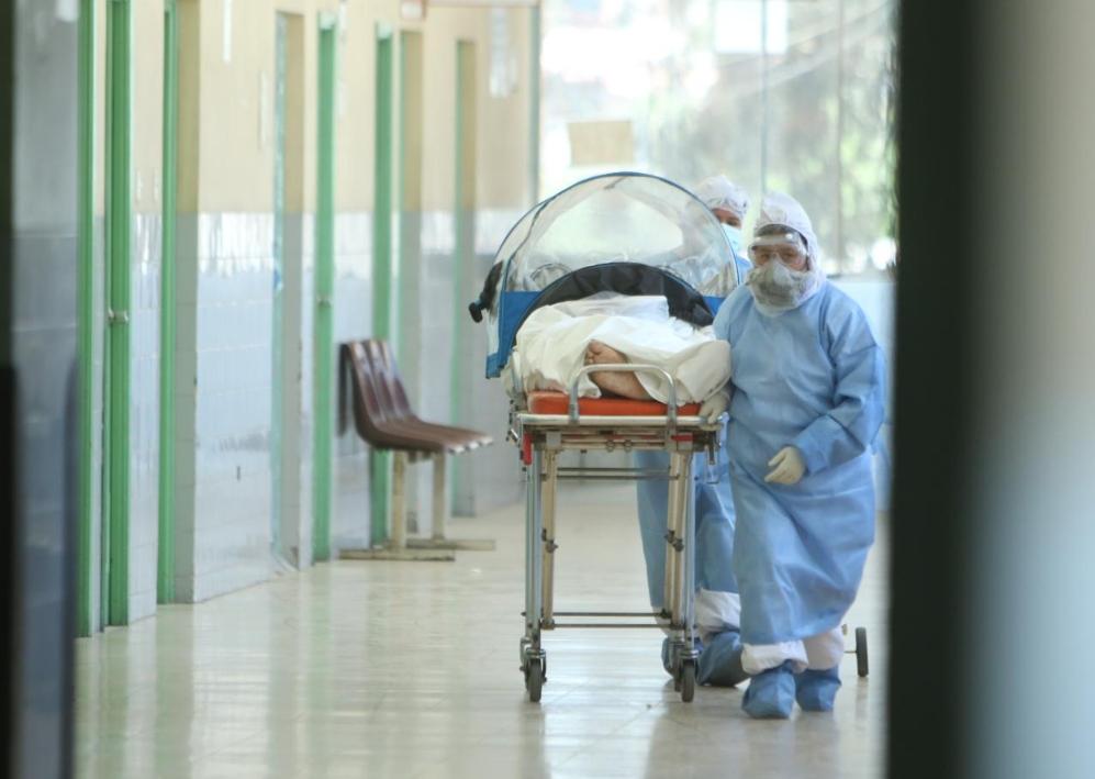 Arequipa: alta demanda de pacientes satura nueva unidad del hospital covid