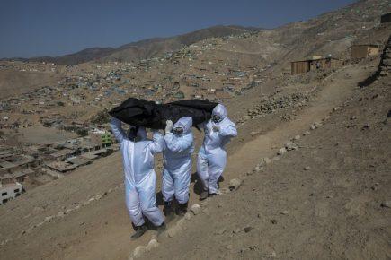 Exhumarán cadáveres Covid de cementerio clandestino en Cayma
