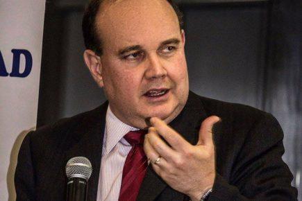 FALSO/ Rafael López Aliaga: cada año se gasta US$ 4 mil millones en consultorías para el gobierno