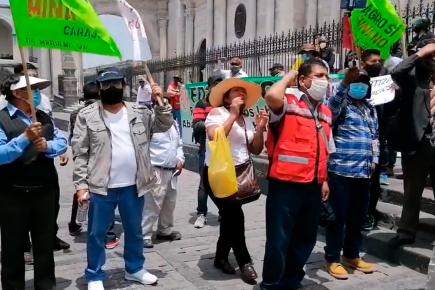 Pobladores del valle de Tambo llegan a Arequipa en rechazo a sentencia a dirigentes (VIDEO)