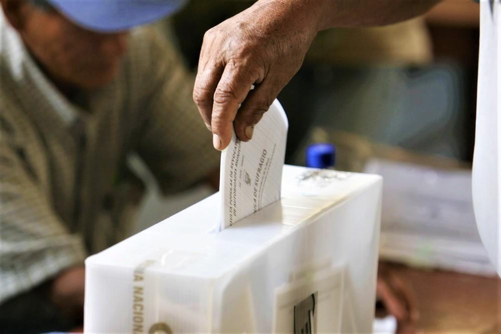 Candidatos a Elecciones 2021 por Arequipa, excluidos.