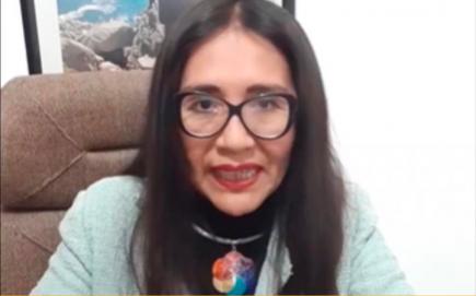 [Engañoso] Candidata Rosa María Apaza: vacuna Covid-19 fue autorizada sin evidencia