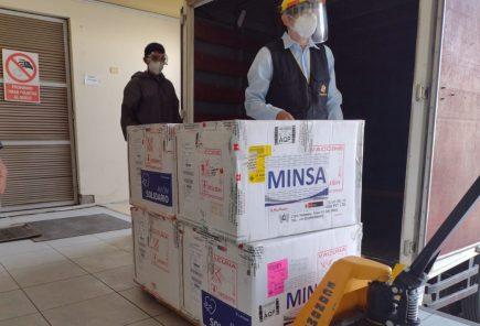 Arequipa: llega segundo lote de vacunas para personal de salud que no recibió dosis