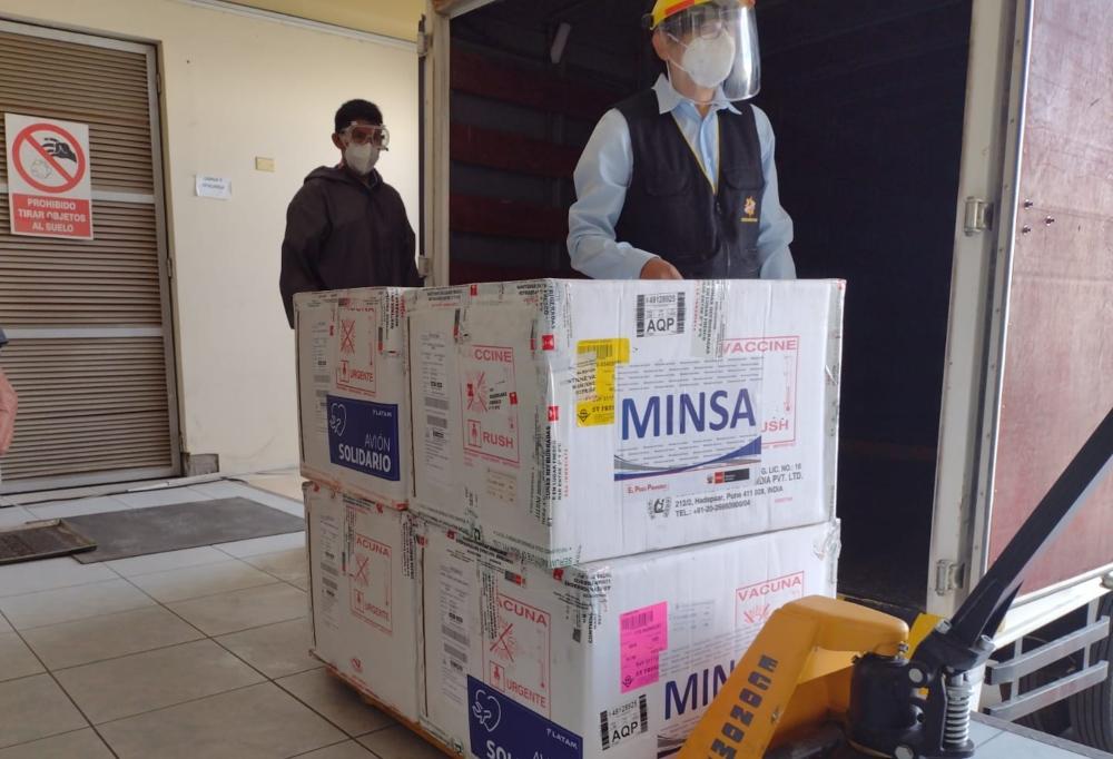 Arequipa: llega segundo lote de vacunas para personal de salud