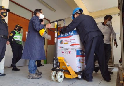 Arequipa: llegan más de 12 mil vacunas de Sinopharm para el personal de salud