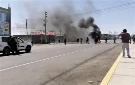 Arequipa: duros enfrentamientos en La Joya con PNP, en 5º día del paro de transportistas