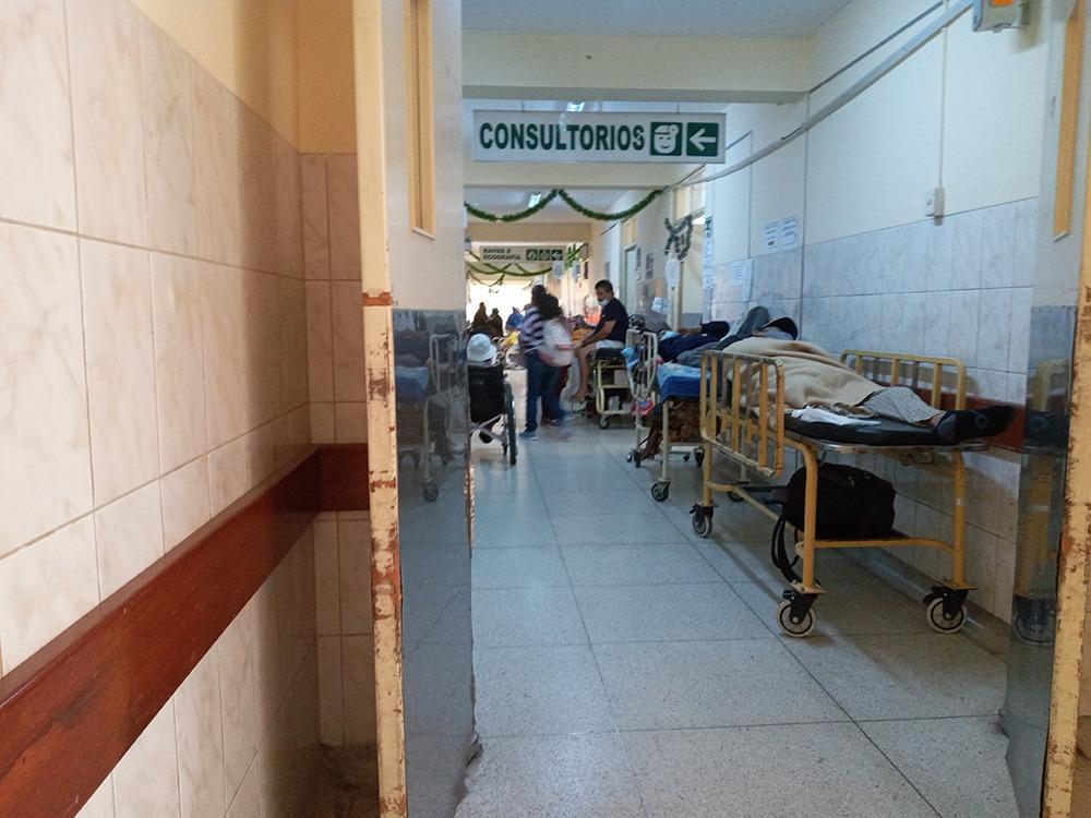 Arequipa: el drama de la falta de camas en el hospital Goyeneche