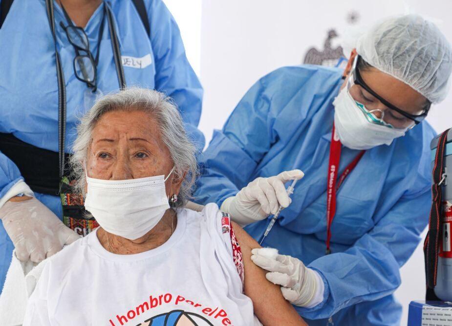 Arequipa: gerente de Salud anuncia la llegada de 30 mil vacunas para provincias