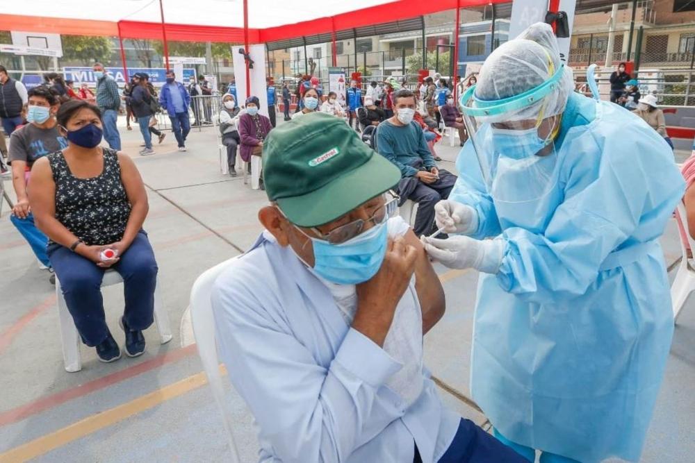 Arequipa: vacunación a adultos mayores será mediante padrón del SIS y pensión 65