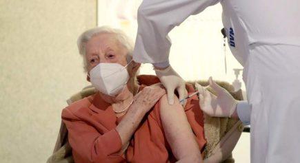 Gobierno publica nuevo programa de vacunación y ratifica eficacia de Sinopharm